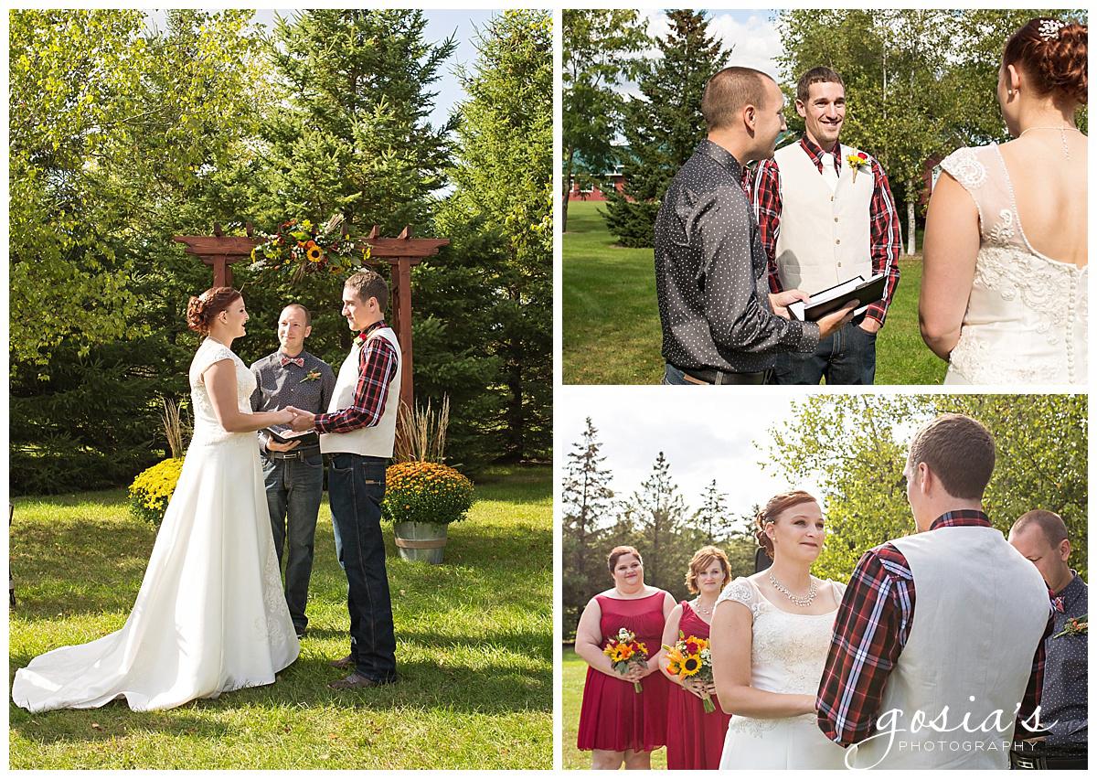 Gosias-Photography-wedding-photographer-Appleton-Homestead-Meadows-outdoor-ceremony-reception-Rachel-Zach-_0012.jpg