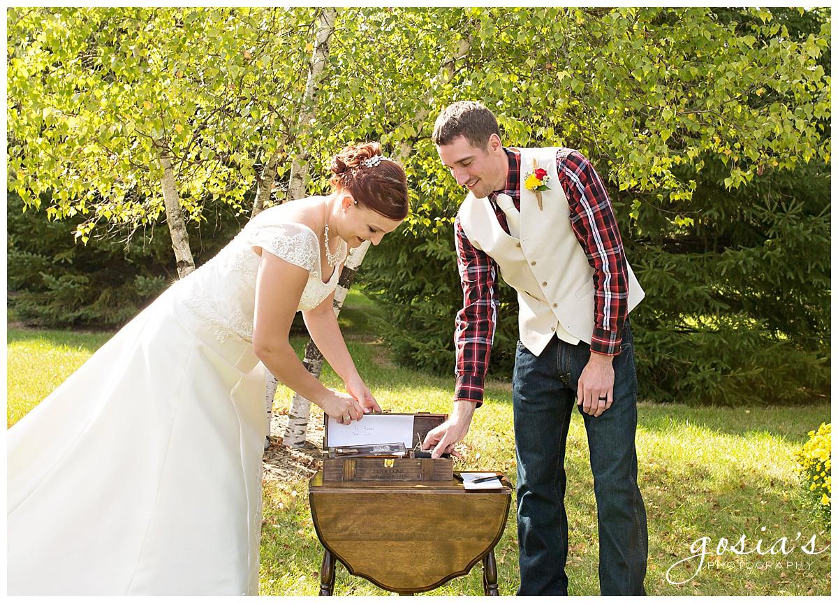 Gosias-Photography-wedding-photographer-Appleton-Homestead-Meadows-outdoor-ceremony-reception-Rachel-Zach-_0013.jpg