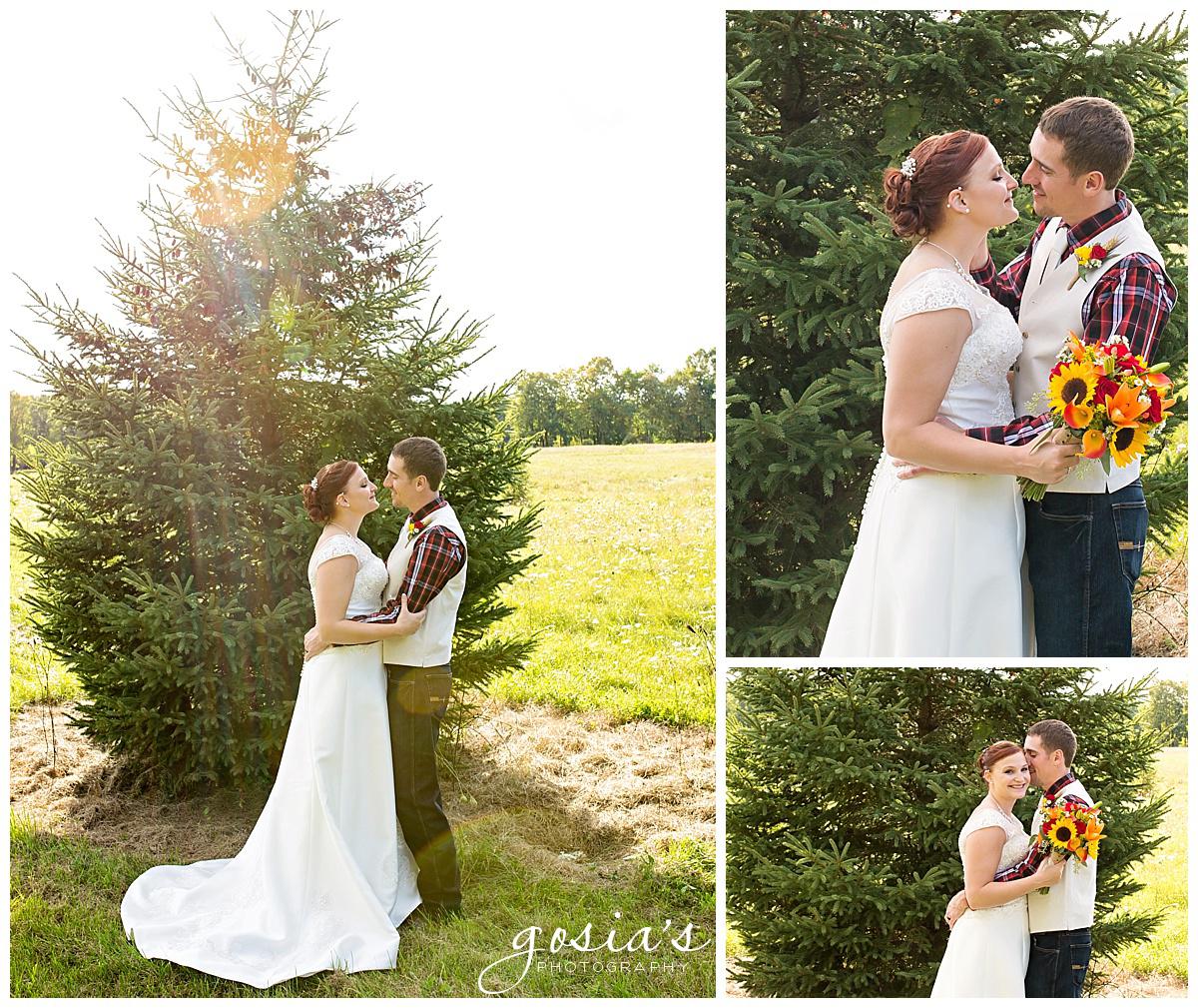 Gosias-Photography-wedding-photographer-Appleton-Homestead-Meadows-outdoor-ceremony-reception-Rachel-Zach-_0019.jpg