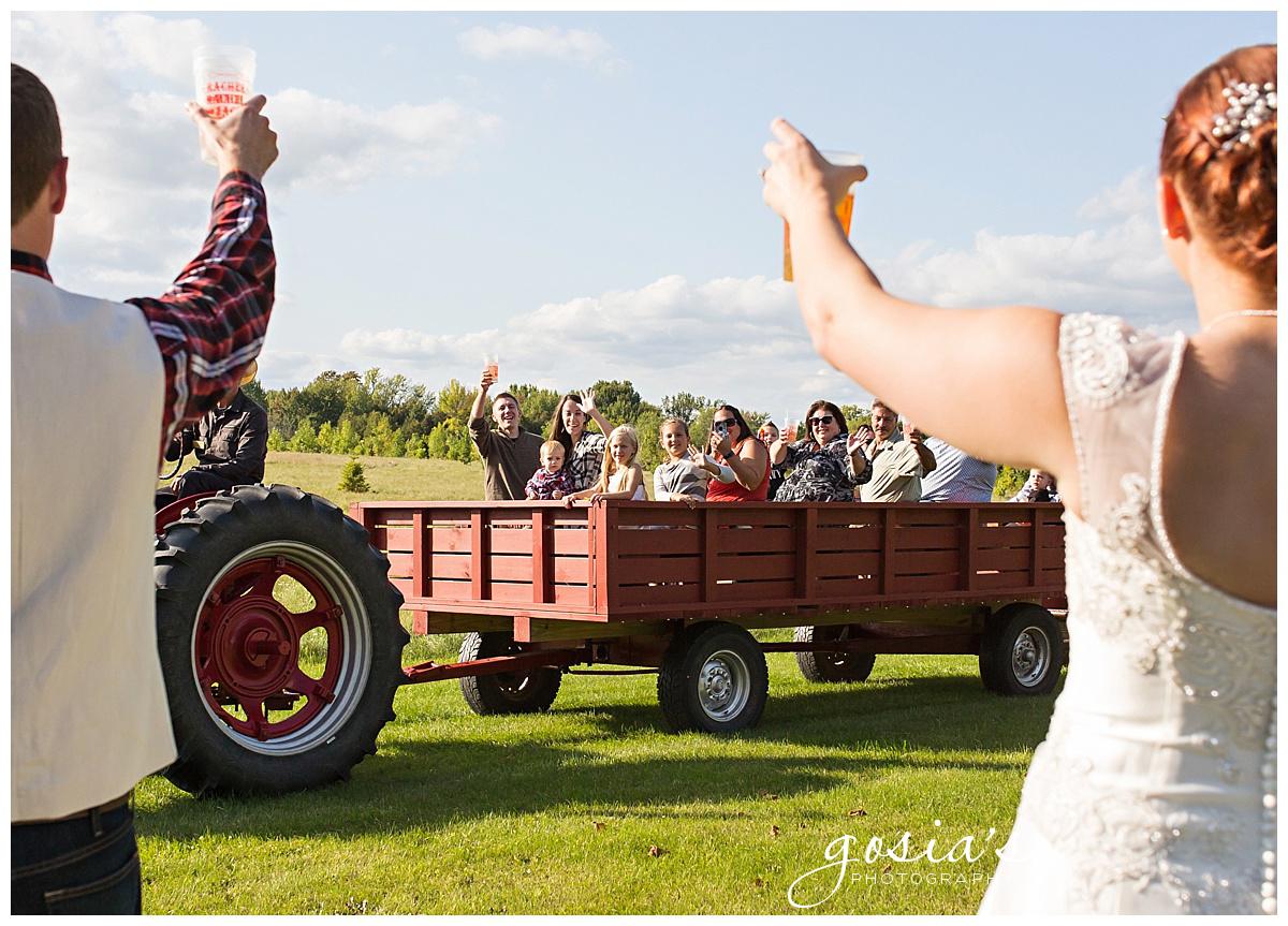Gosias-Photography-wedding-photographer-Appleton-Homestead-Meadows-outdoor-ceremony-reception-Rachel-Zach-_0023.jpg