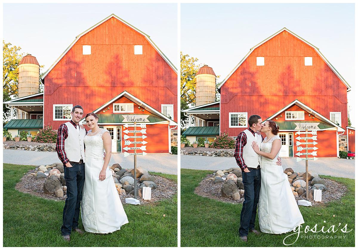 Gosias-Photography-wedding-photographer-Appleton-Homestead-Meadows-outdoor-ceremony-reception-Rachel-Zach-_0036.jpg