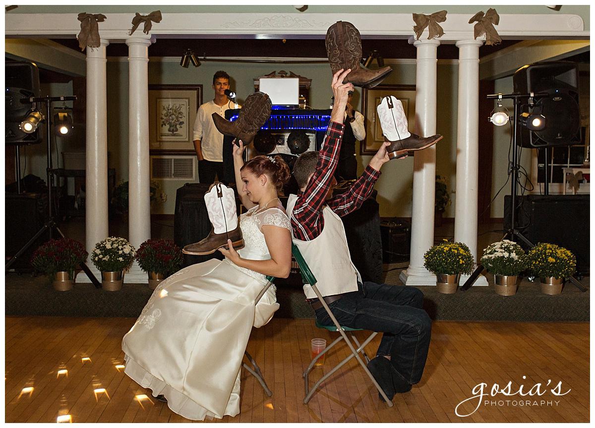 Gosias-Photography-wedding-photographer-Appleton-Homestead-Meadows-outdoor-ceremony-reception-Rachel-Zach-_0037.jpg