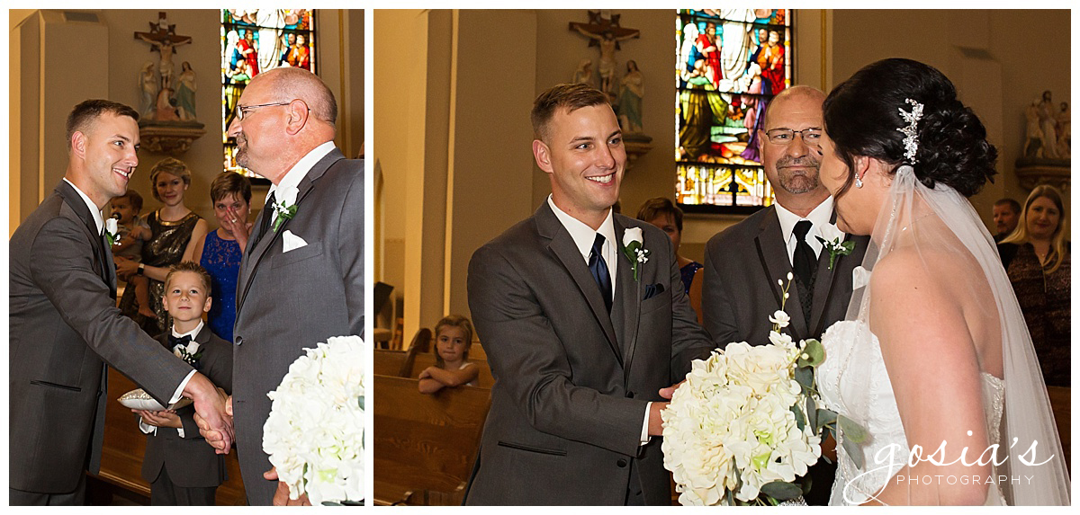Gosias-Photography-wedding-photographer-Appleton-Kaukauna-ceremony-reception-Darboy-Club-_0007.jpg