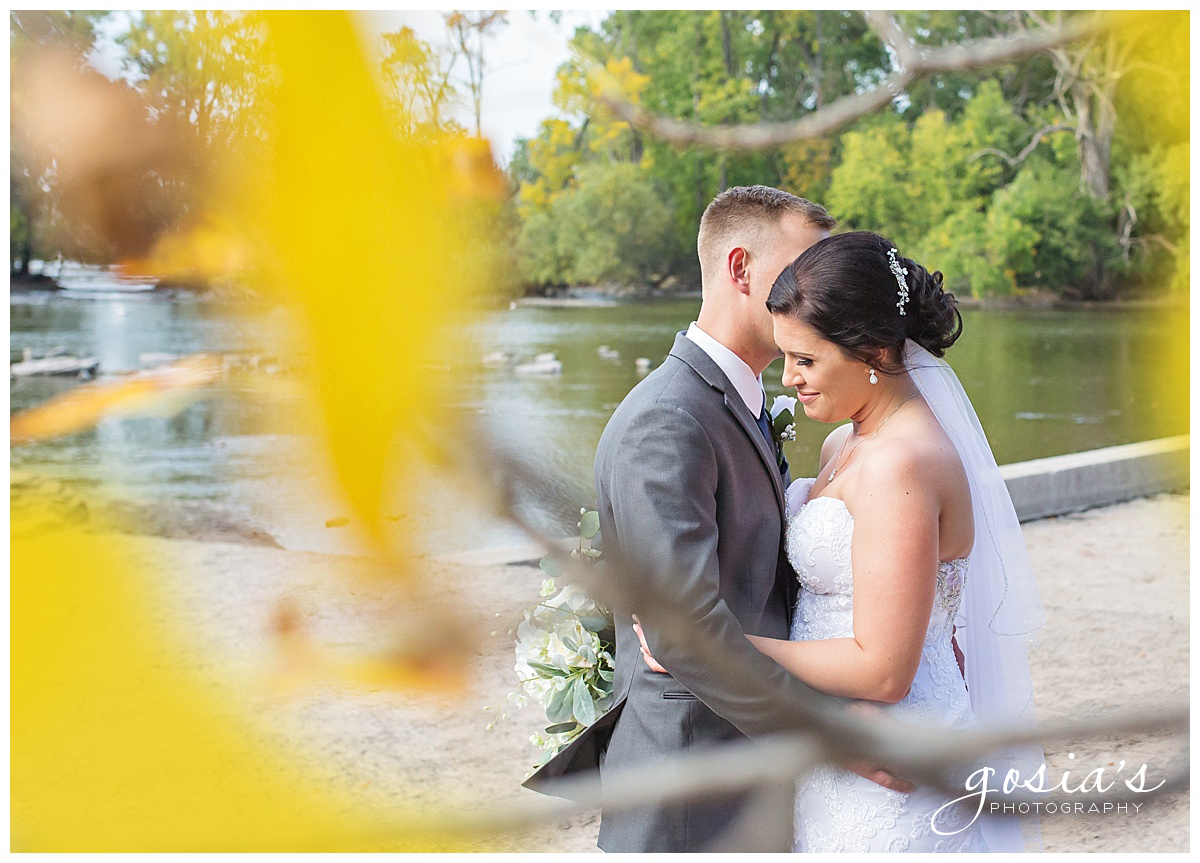 Gosias-Photography-wedding-photographer-Appleton-Kaukauna-ceremony-reception-Darboy-Club-_0016.jpg