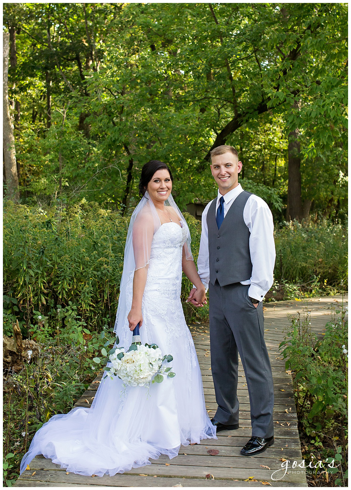 Gosias-Photography-wedding-photographer-Appleton-Kaukauna-ceremony-reception-Darboy-Club-_0019.jpg