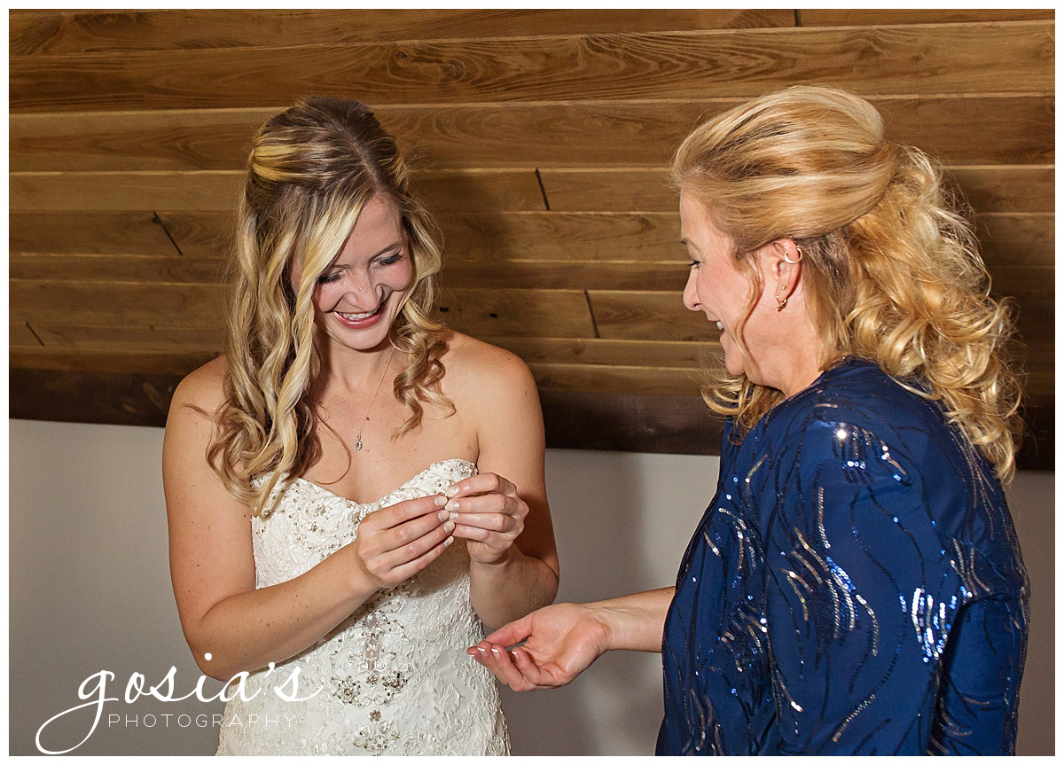 Gosias-Photography-Appleton-wedding-photographer-Clintonville-ceremony-reception-KI-Center-Green-Bay-_0008.jpg