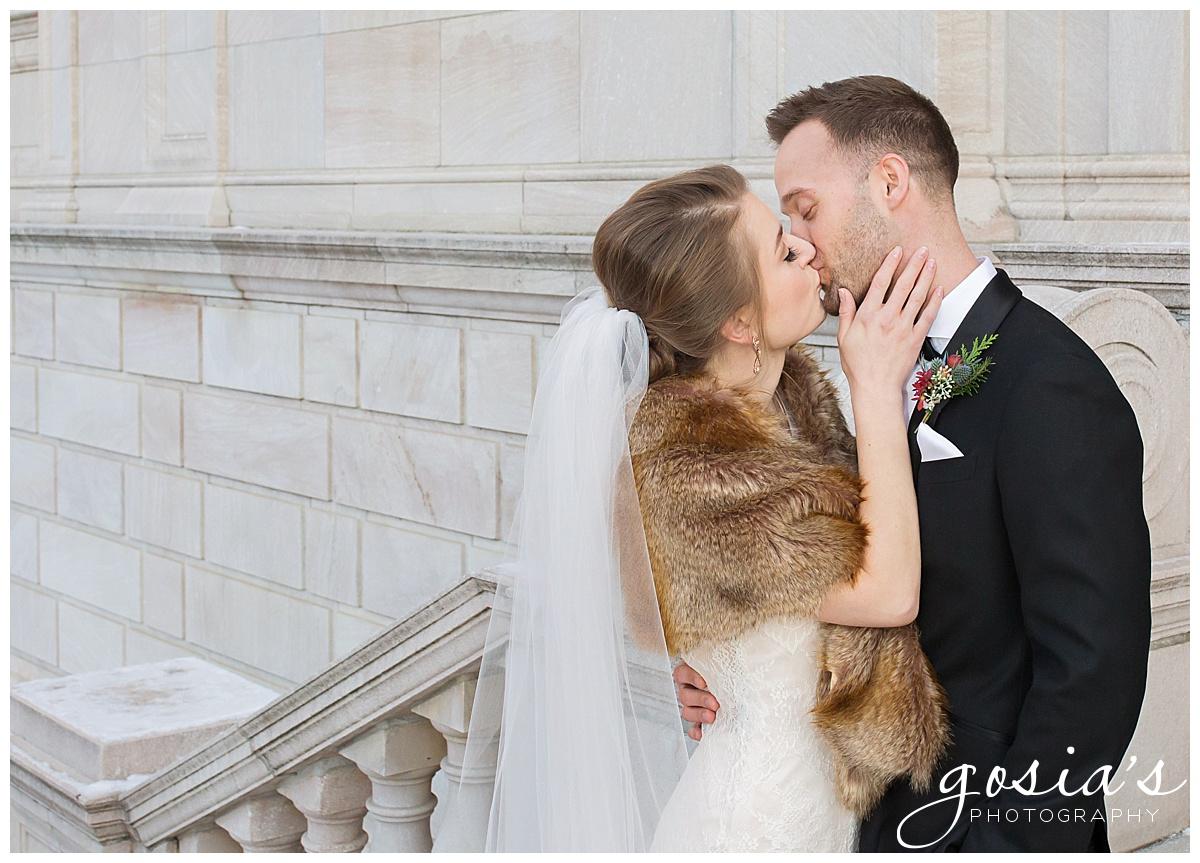 Gosias-Photography-Appleton-wedding-photographer-Saint-Paul-James-J-Hill-Center-ceremony-reception-Minnesota-_0020.jpg