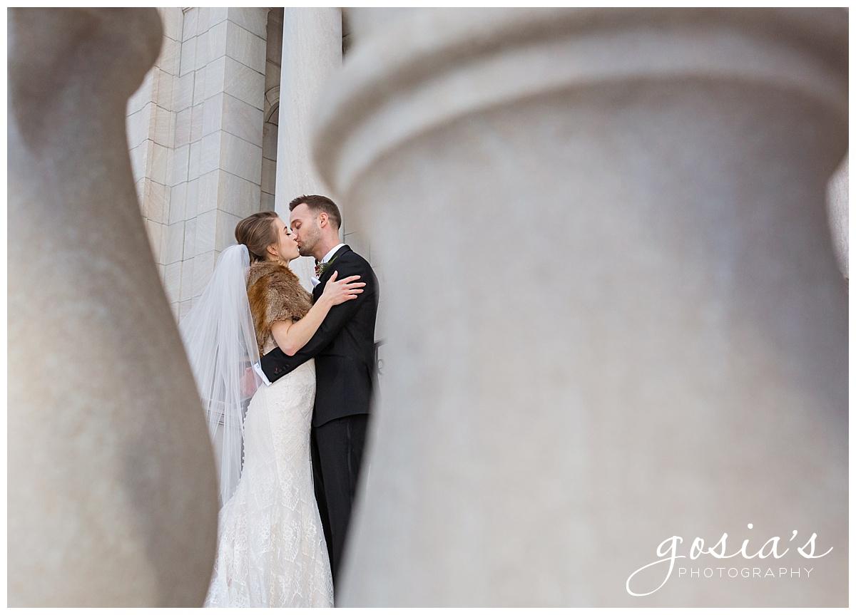 Gosias-Photography-Appleton-wedding-photographer-Saint-Paul-James-J-Hill-Center-ceremony-reception-Minnesota-_0024.jpg