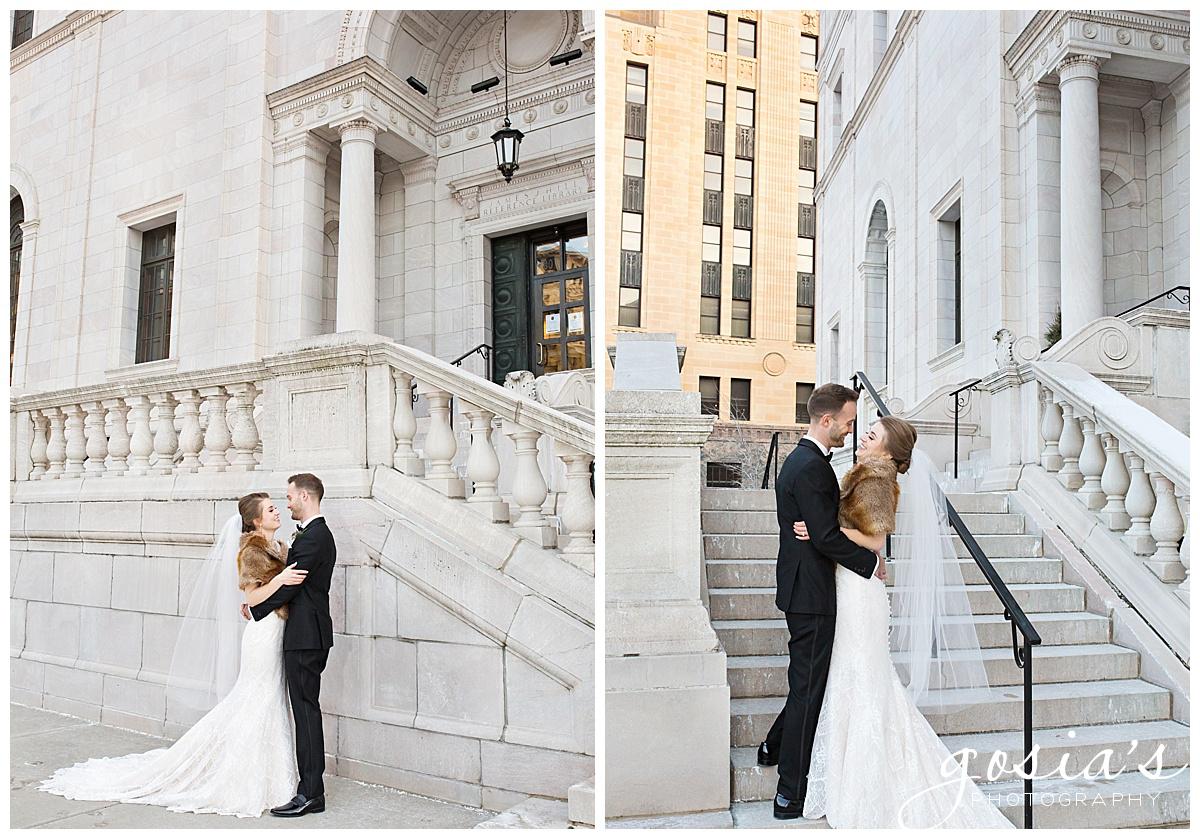 Gosias-Photography-Appleton-wedding-photographer-Saint-Paul-James-J-Hill-Center-ceremony-reception-Minnesota-_0027.jpg