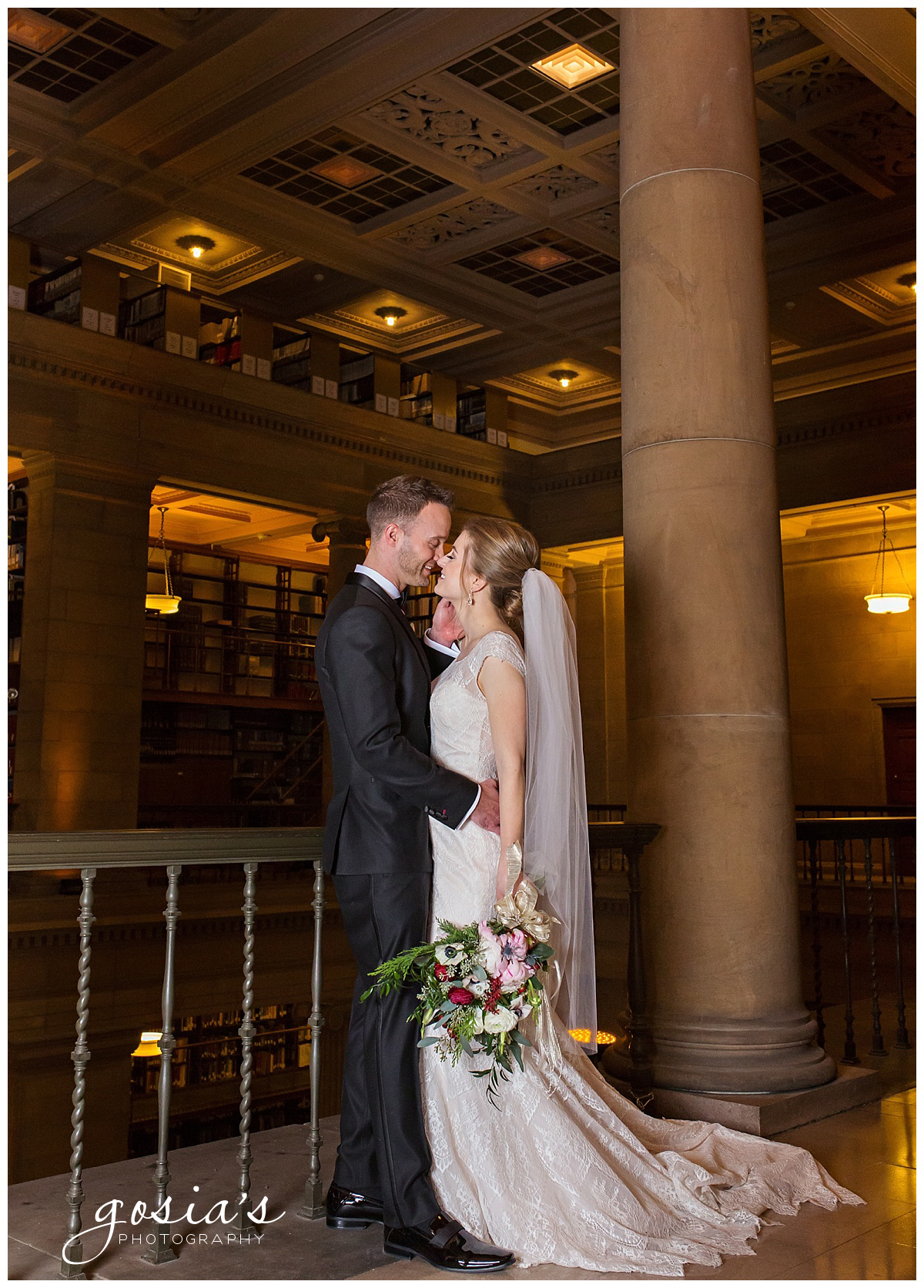 Gosias-Photography-Appleton-wedding-photographer-Saint-Paul-James-J-Hill-Center-ceremony-reception-Minnesota-_0047.jpg