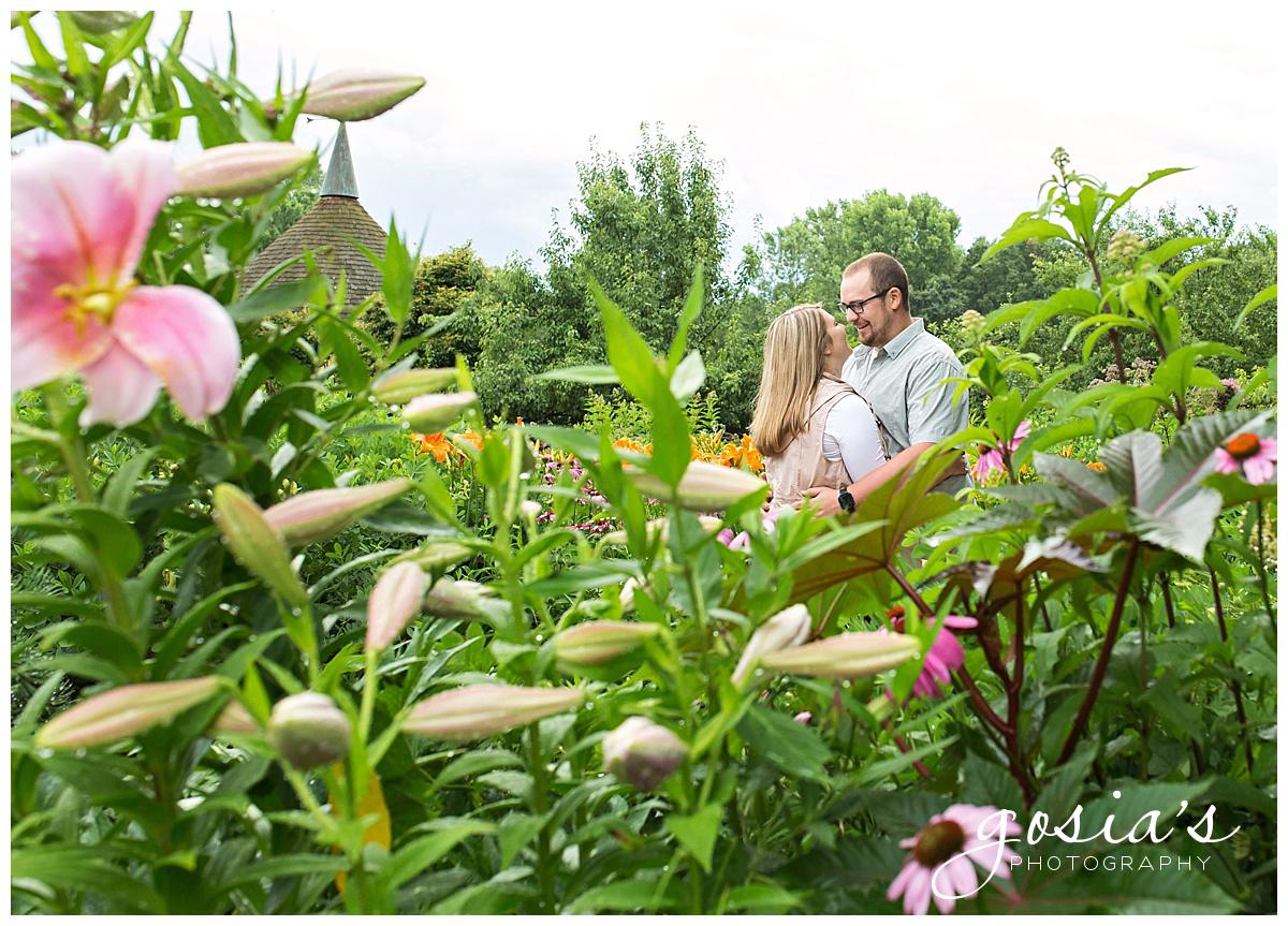 Gosias-Photography-Appleton-wedding-photographer-fall-engagement-session-Green-Bay-Botanical-Gardens-GBBG-_0004.jpg