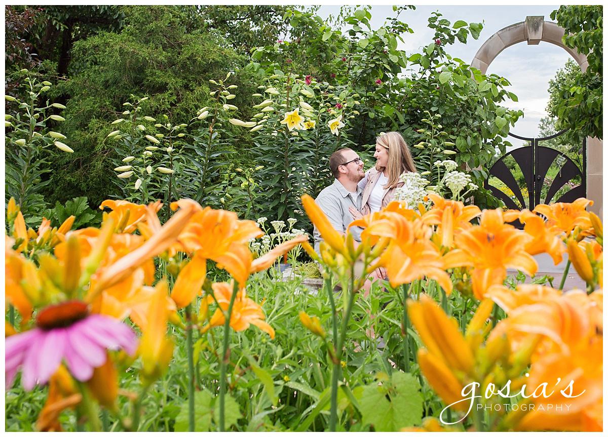Gosias-Photography-Appleton-wedding-photographer-fall-engagement-session-Green-Bay-Botanical-Gardens-GBBG-_0006.jpg