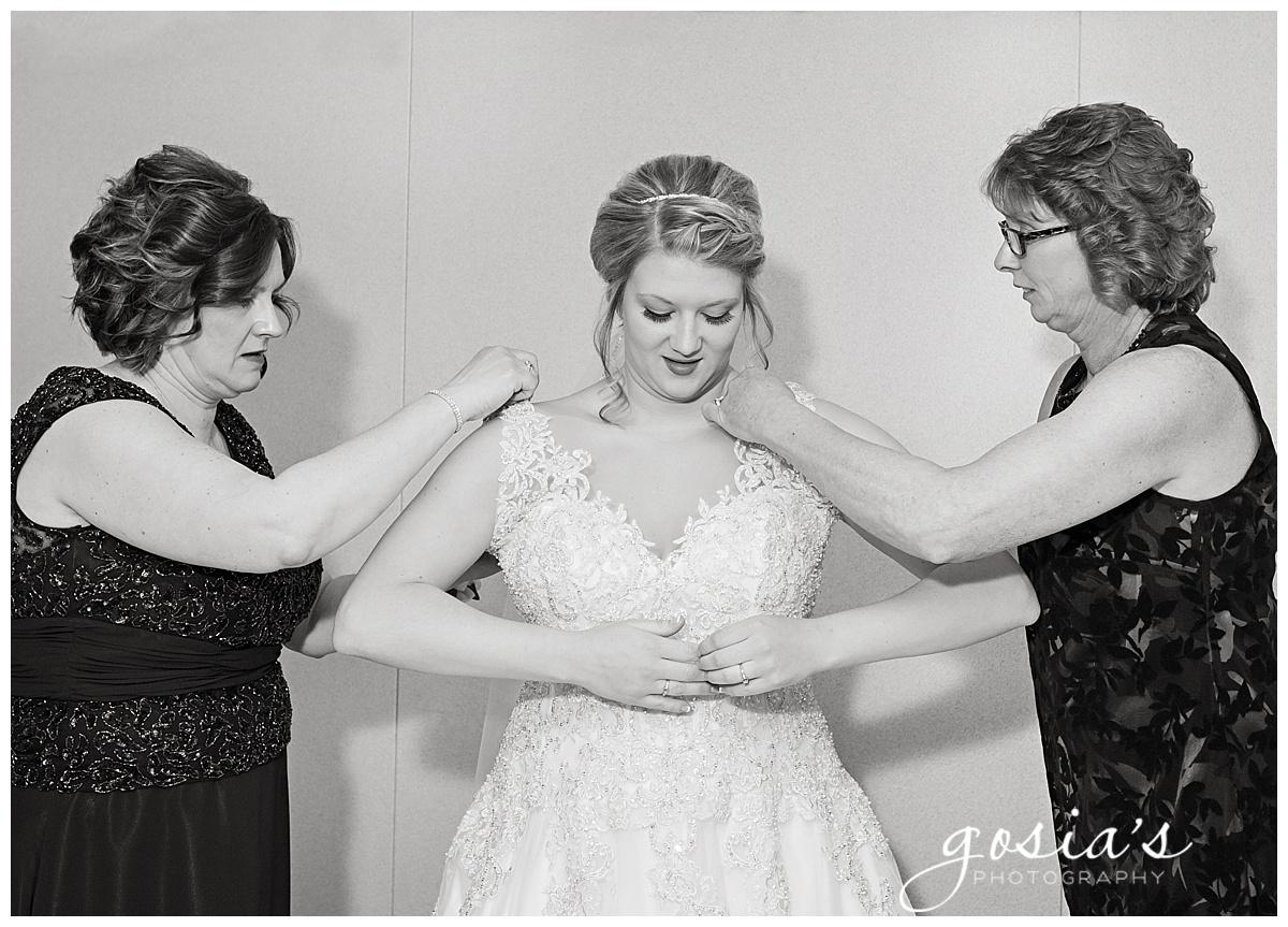 Gosias-Photography-Appleton-wedding-photographer-Fond-du-Lac-ceremony-Holiday-Inn-reception-Shelby-Ryan-_0005.jpg