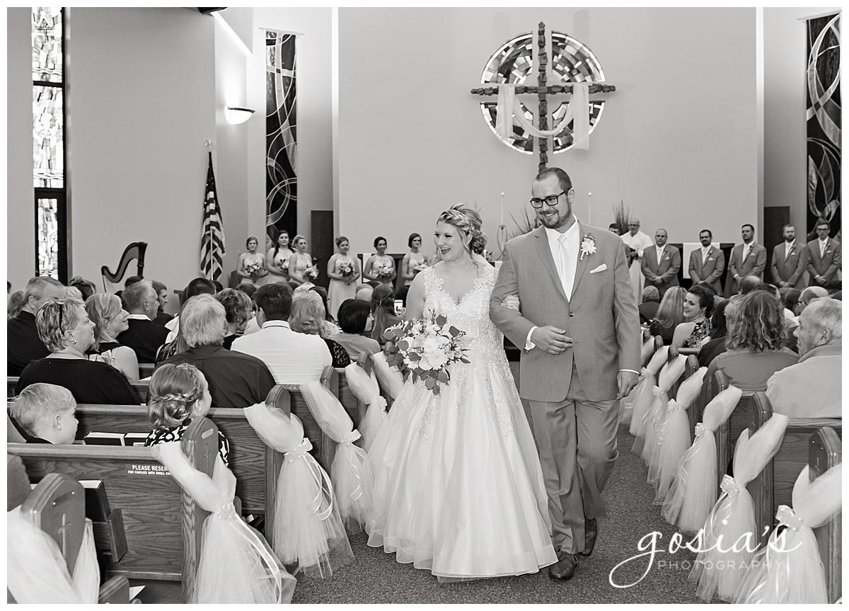 Gosias-Photography-Appleton-wedding-photographer-Fond-du-Lac-ceremony-Holiday-Inn-reception-Shelby-Ryan-_0014.jpg