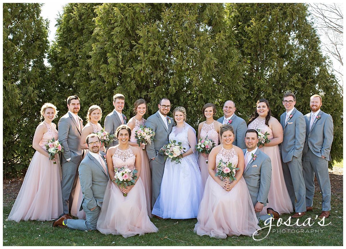 Gosias-Photography-Appleton-wedding-photographer-Fond-du-Lac-ceremony-Holiday-Inn-reception-Shelby-Ryan-_0017.jpg