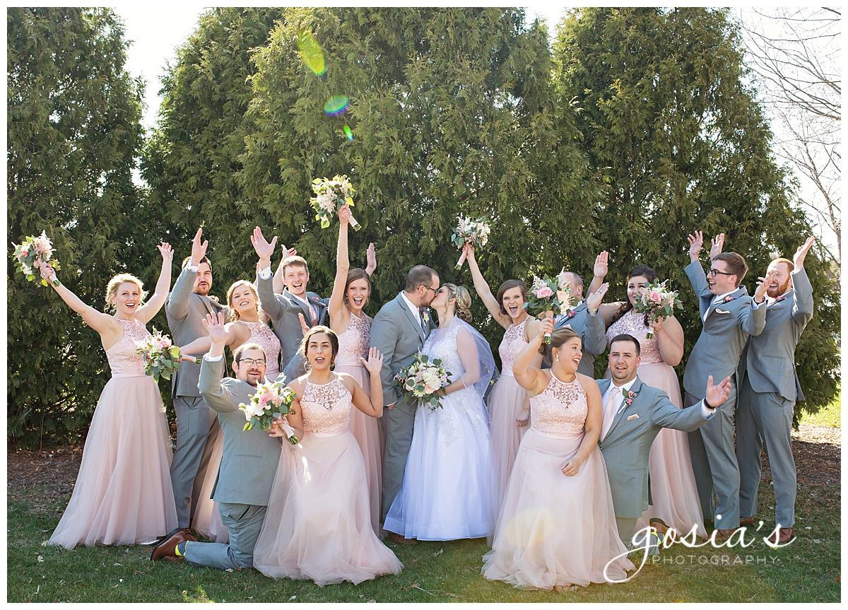 Gosias-Photography-Appleton-wedding-photographer-Fond-du-Lac-ceremony-Holiday-Inn-reception-Shelby-Ryan-_0018.jpg