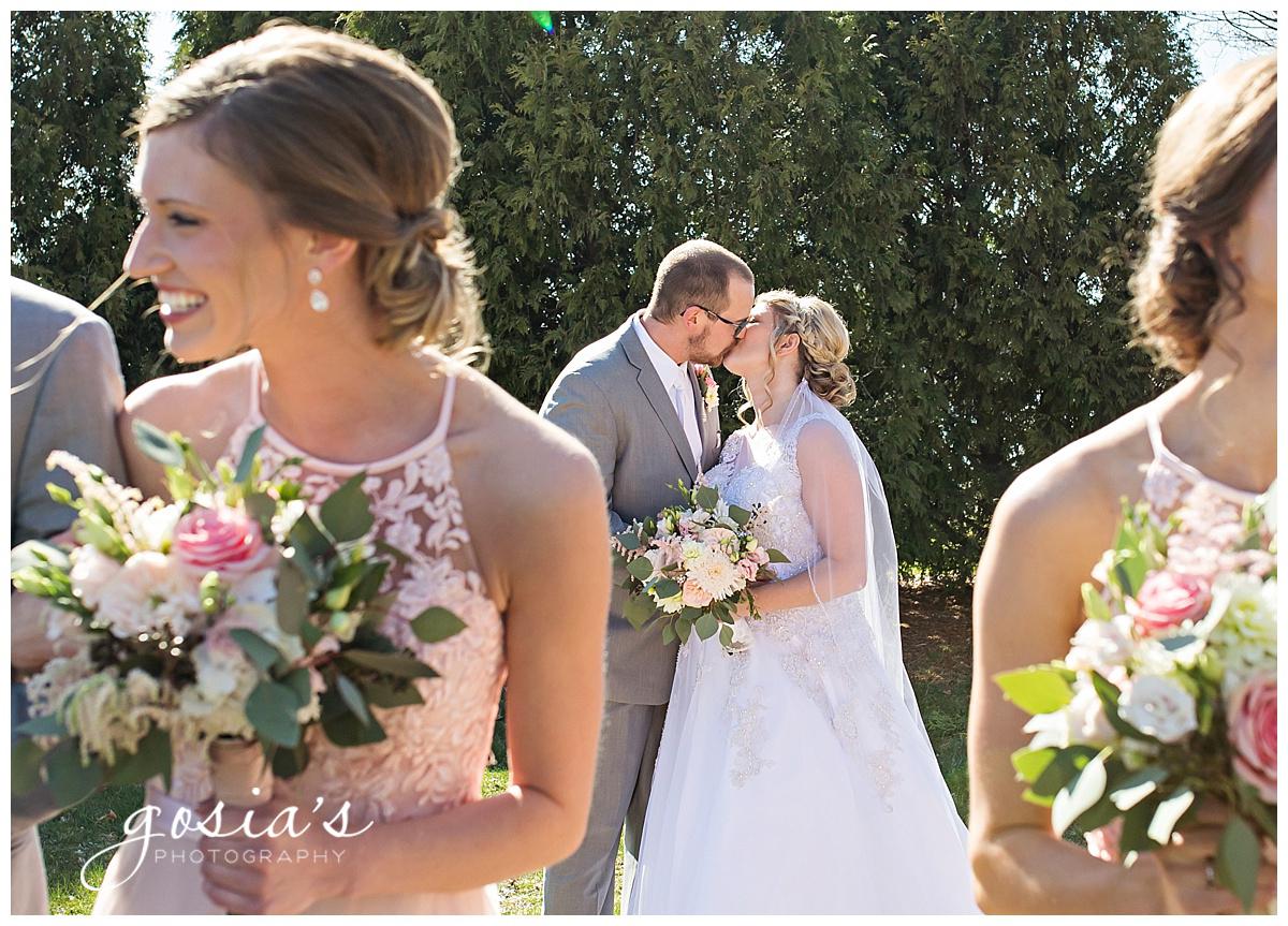 Gosias-Photography-Appleton-wedding-photographer-Fond-du-Lac-ceremony-Holiday-Inn-reception-Shelby-Ryan-_0019.jpg