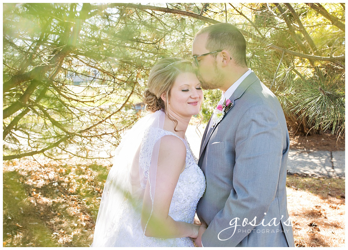 Gosias-Photography-Appleton-wedding-photographer-Fond-du-Lac-ceremony-Holiday-Inn-reception-Shelby-Ryan-_0022.jpg