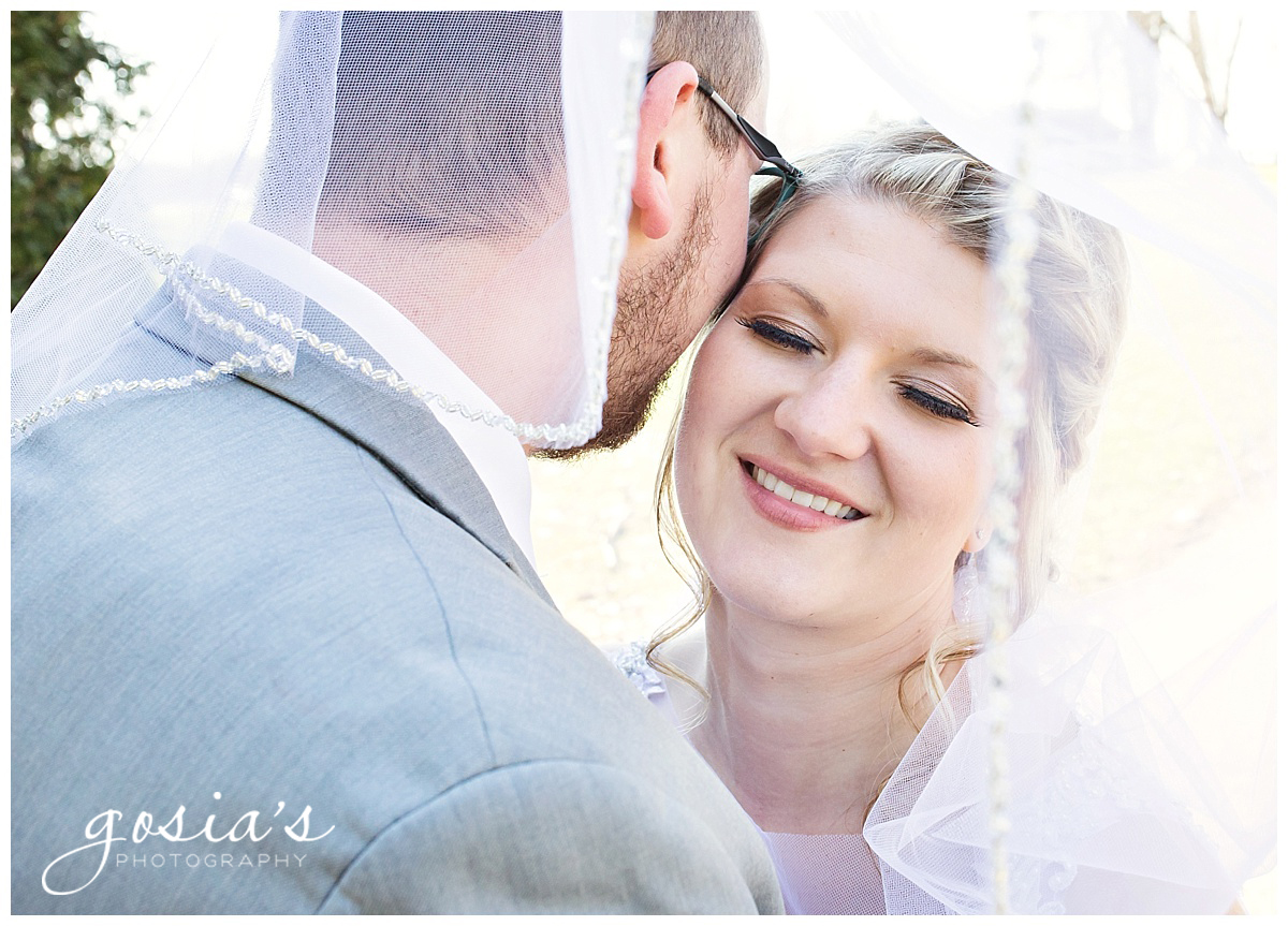 Gosias-Photography-Appleton-wedding-photographer-Fond-du-Lac-ceremony-Holiday-Inn-reception-Shelby-Ryan-_0026.jpg