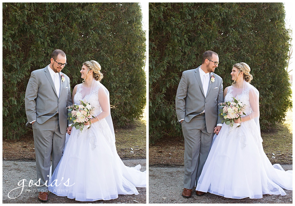 Gosias-Photography-Appleton-wedding-photographer-Fond-du-Lac-ceremony-Holiday-Inn-reception-Shelby-Ryan-_0028.jpg
