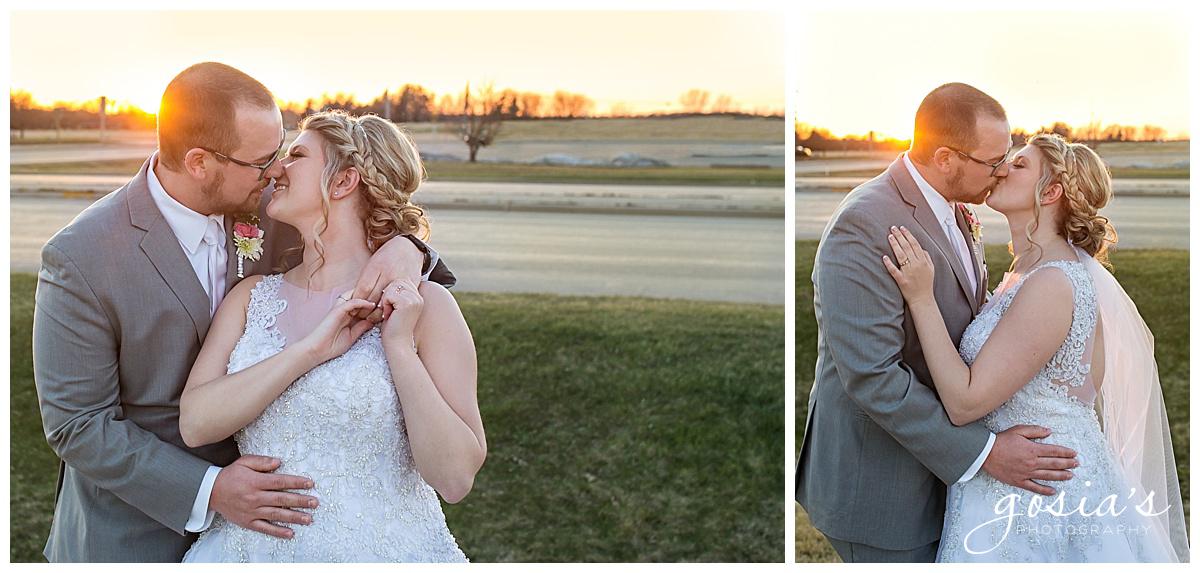 Gosias-Photography-Appleton-wedding-photographer-Fond-du-Lac-ceremony-Holiday-Inn-reception-Shelby-Ryan-_0031.jpg