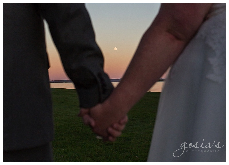 Jackie&Drew-Appleton-wedding-photographer-Gosias-Photography-Oshkosh-TJs-Harbor-outdoor-ceremony-reception-_0028.jpg