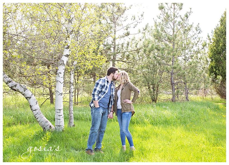 Appleton-wedding-photographer-Gosias-Photography-engagement-Plamann-Park-session-Alec-Emily-_0010.jpg