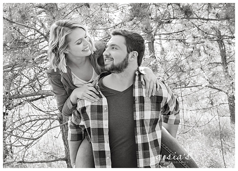 Appleton-wedding-photographer-Gosias-Photography-engagement-Plamann-Park-session-Alec-Emily-_0011.jpg