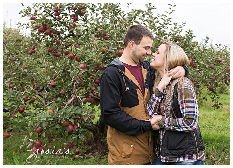 Appleton-wedding-photographer-Gosias-Photography-engagement-session-Milwaukee-Veronica-David-_0003.jpg