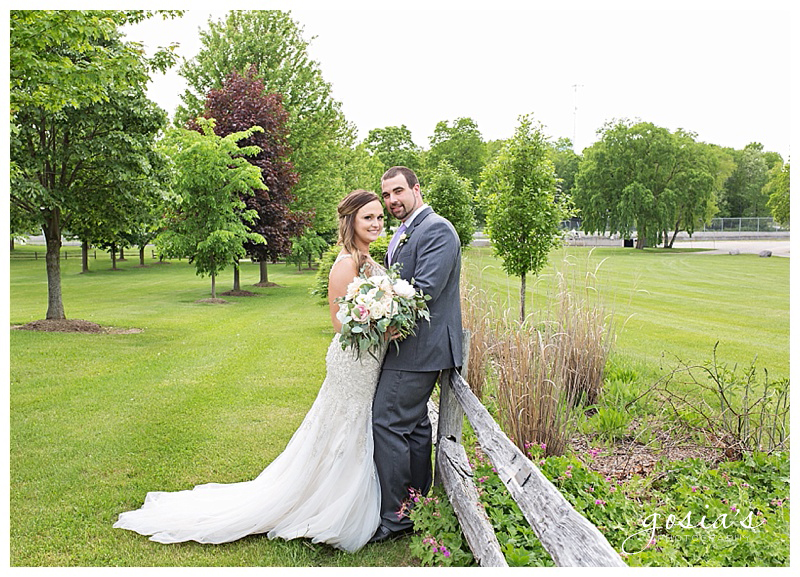 Appleton-wedding-photographer-Gosias-Photography-Blue-Harbor-Road-America-bridal-Veronica-David-_0025.jpg