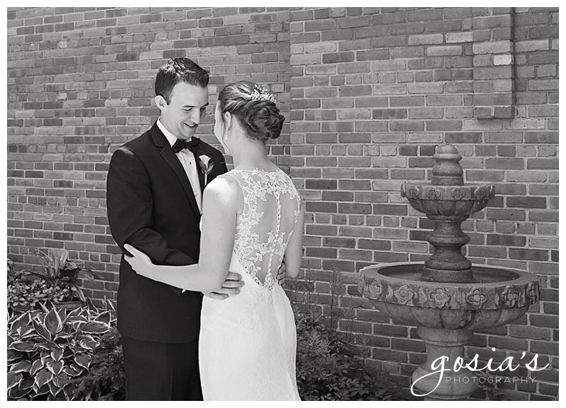 Appleton-wedding-photographer-Gosias-Photography-New-Hope-Lutheran-ceremony-Grand-Meridian-reception-Kayla-and-Ryan-_0010.jpg