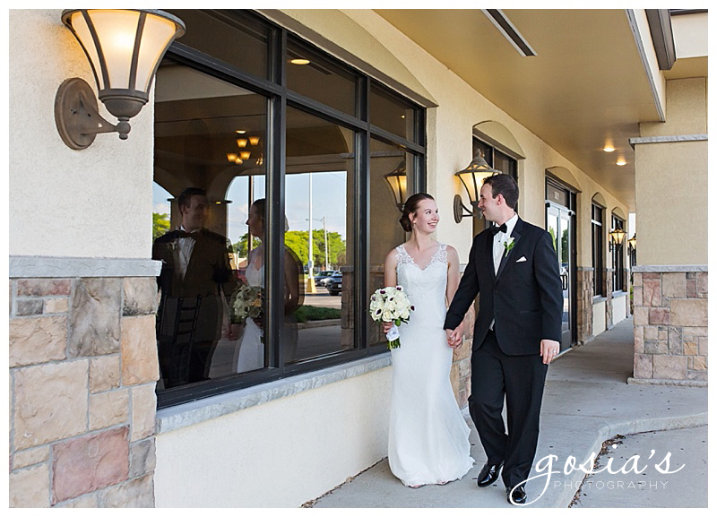 Appleton-wedding-photographer-Gosias-Photography-New-Hope-Lutheran-ceremony-Grand-Meridian-reception-Kayla-and-Ryan-_0036.jpg