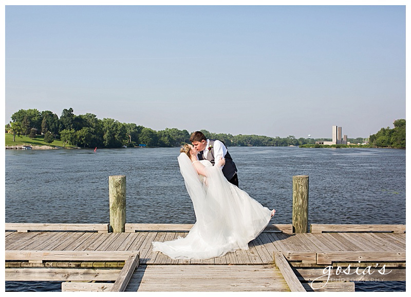 Appleton-wedding-photographer-Gosias-Photography-New-Hope-Lutheran-ceremony-ceremony-Bubolz-Nature-Preserve-reception-Kira-and-Zach-_0043.jpg
