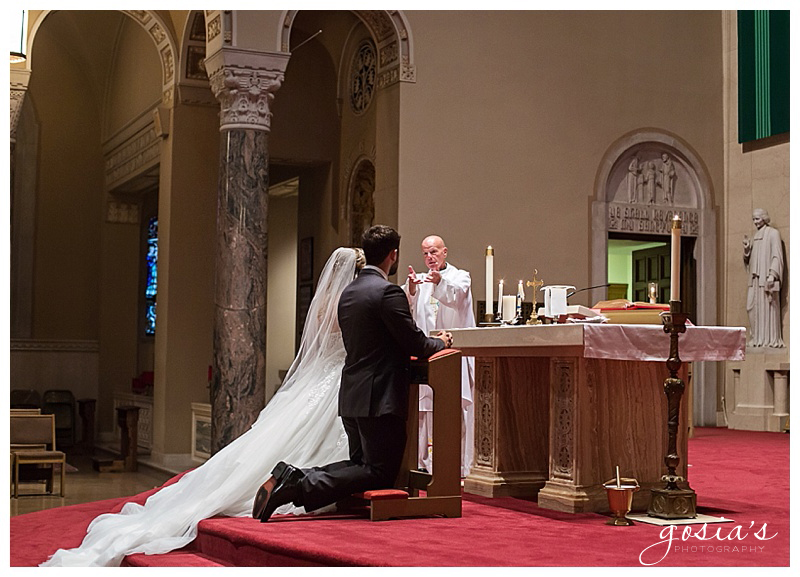 Appleton-wedding-photographer-Gosias-Photography-Milwaukee-ceremony-reception-Marcus-Performing-Arts-Center-_0013.jpg