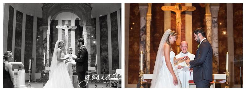 Appleton-wedding-photographer-Gosias-Photography-Milwaukee-ceremony-reception-Marcus-Performing-Arts-Center-_0014.jpg