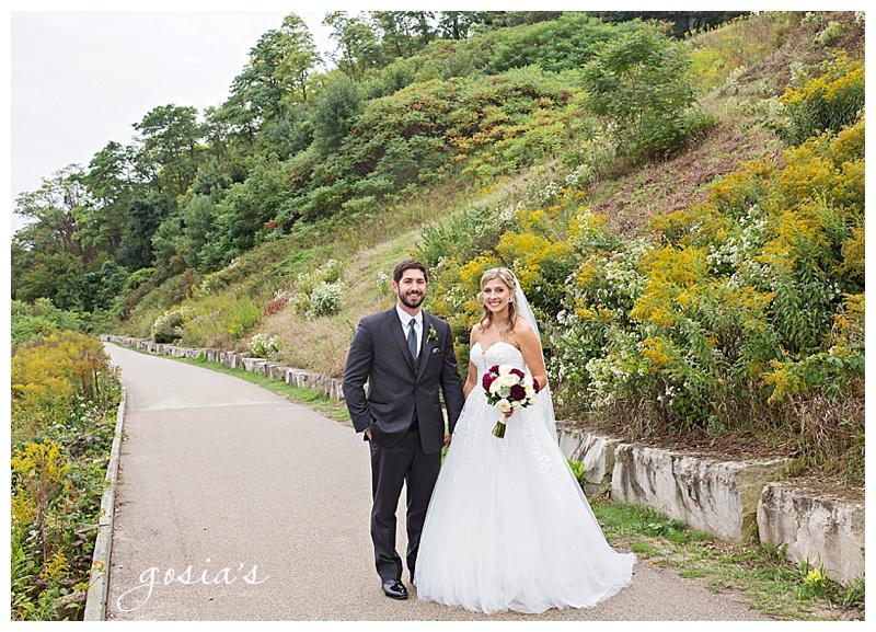 Appleton-wedding-photographer-Gosias-Photography-Milwaukee-ceremony-reception-Marcus-Performing-Arts-Center-_0030.jpg