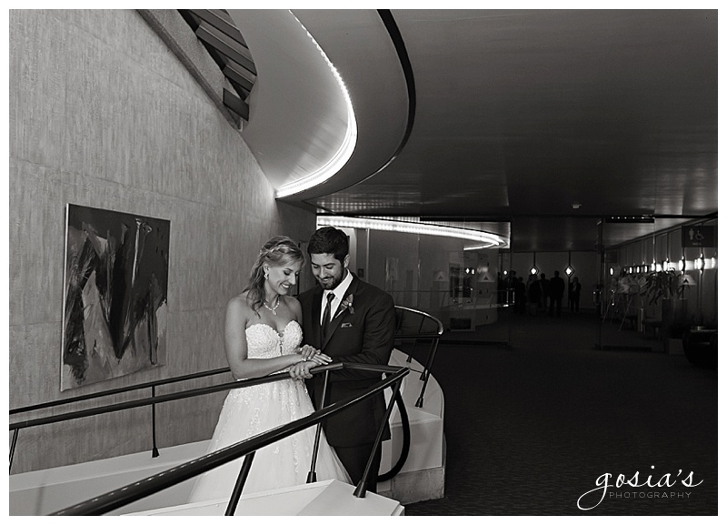 Appleton-wedding-photographer-Gosias-Photography-Milwaukee-ceremony-reception-Marcus-Performing-Arts-Center-_0041.jpg