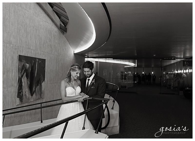 Appleton-wedding-photographer-Gosias-Photography-Milwaukee-ceremony-reception-Marcus-Performing-Arts-Center-_0041.jpg