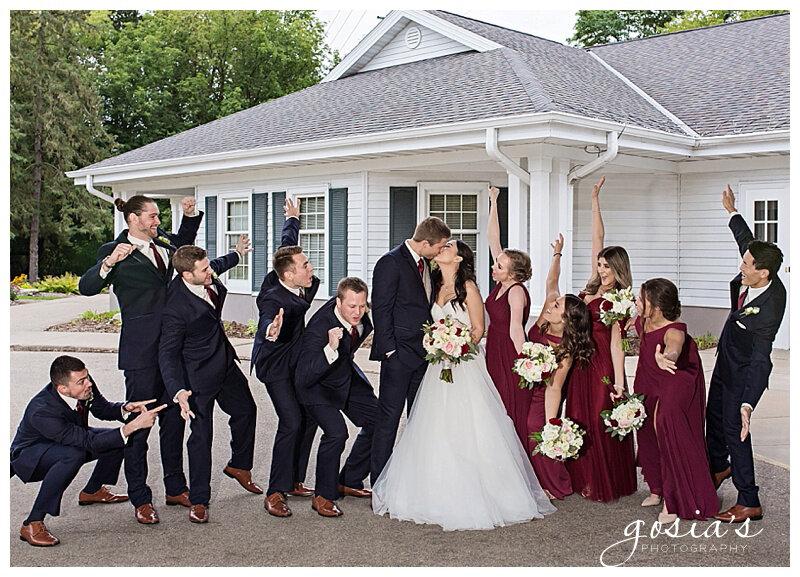 Appleton-wedding-photographer-Gosias-Photography-Milwaukee-ceremony-reception-Riverview-Gardens-_0027.jpg