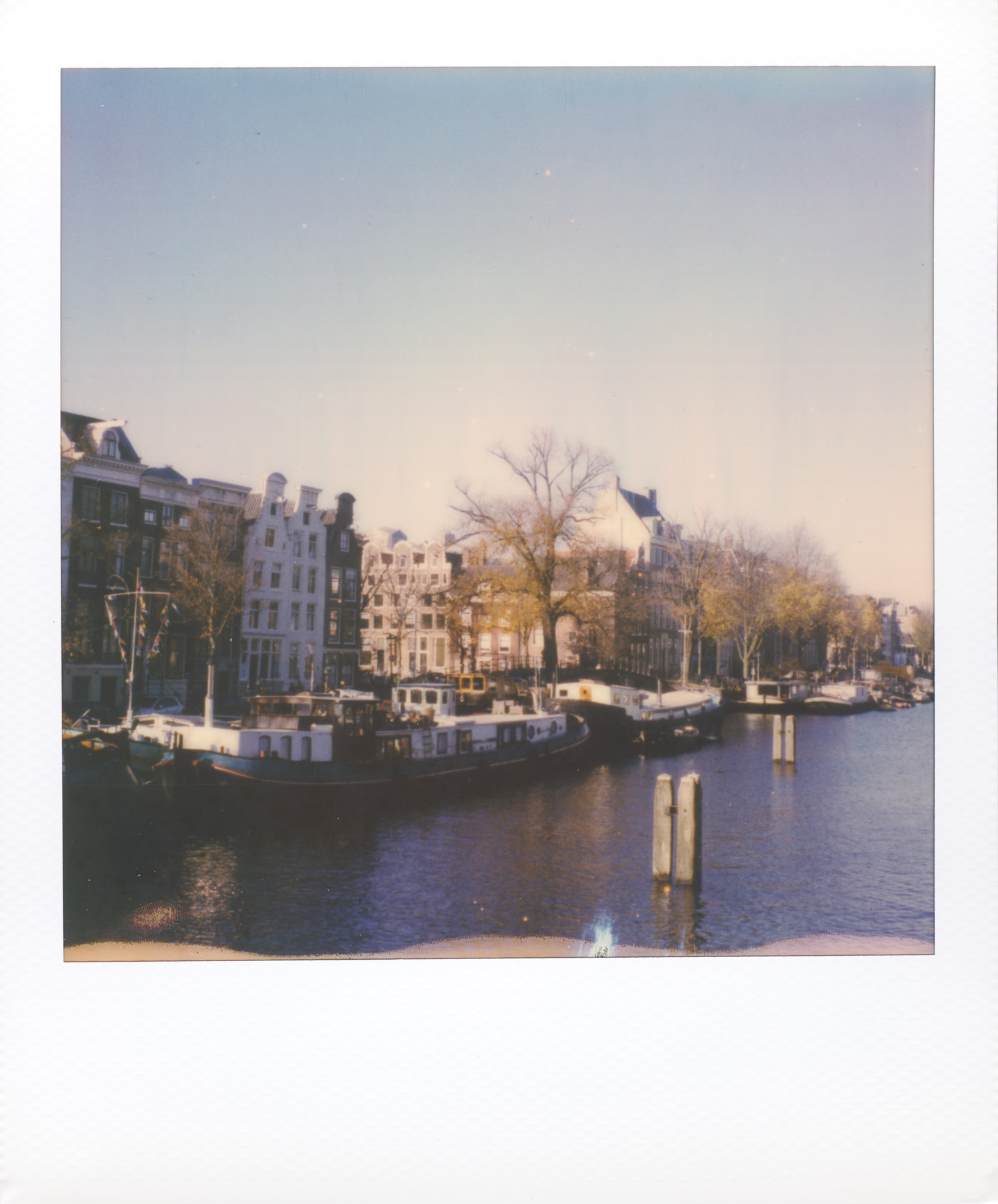 New_York_+_Amsterdam_Cityscape_by_On_a_hazy_morning001.jpg