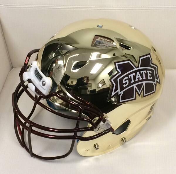 Hey guys look another helmet!