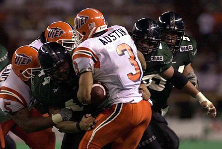 Note the helmet, sleeve, pant stripe from 2002ish.