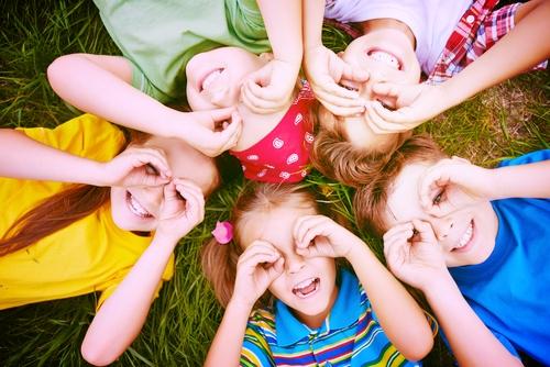 kiddos,grass,eyes.jpg