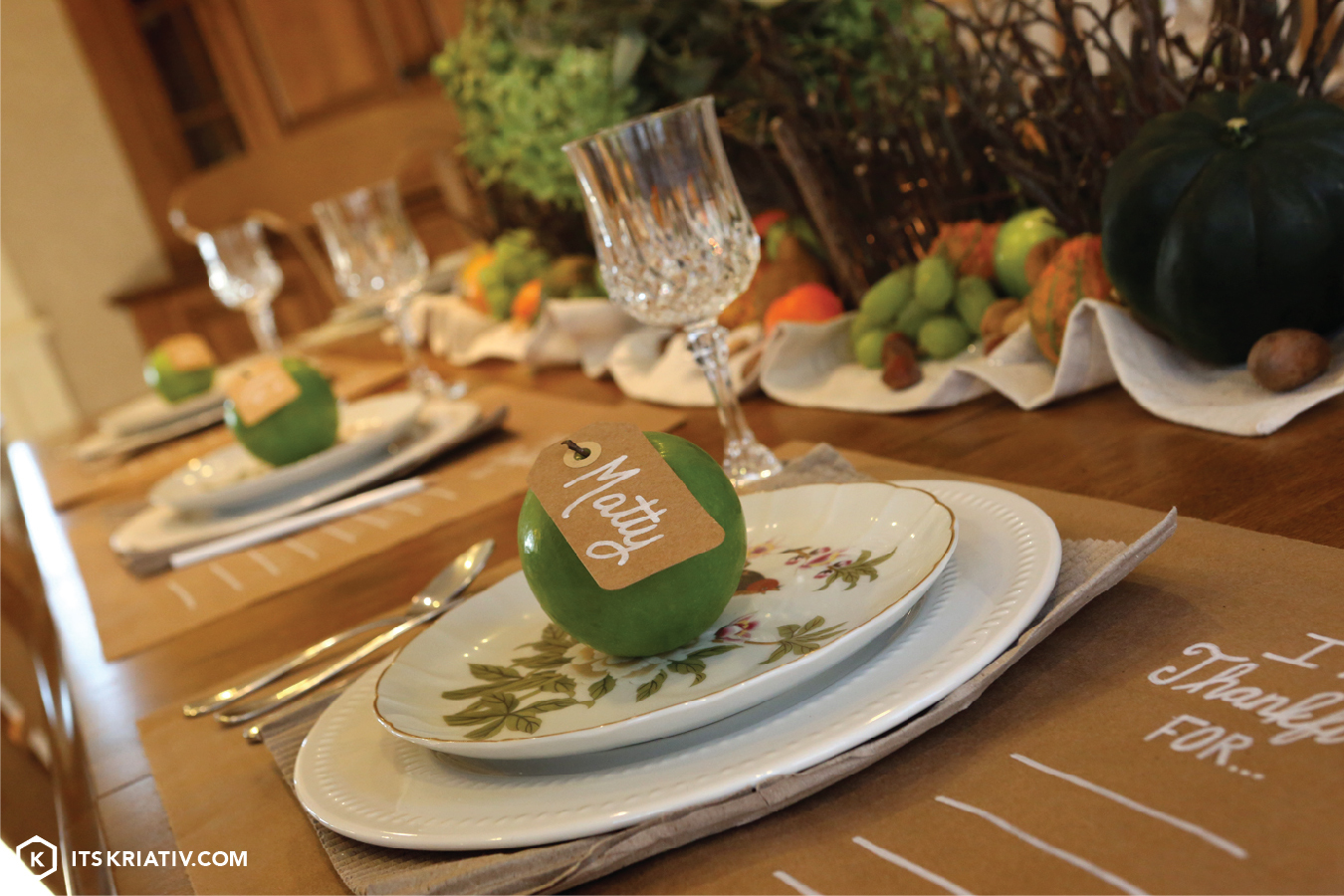 13_Nov_Decor-DIY-Thanksgiving-Place-Setting-06.jpg