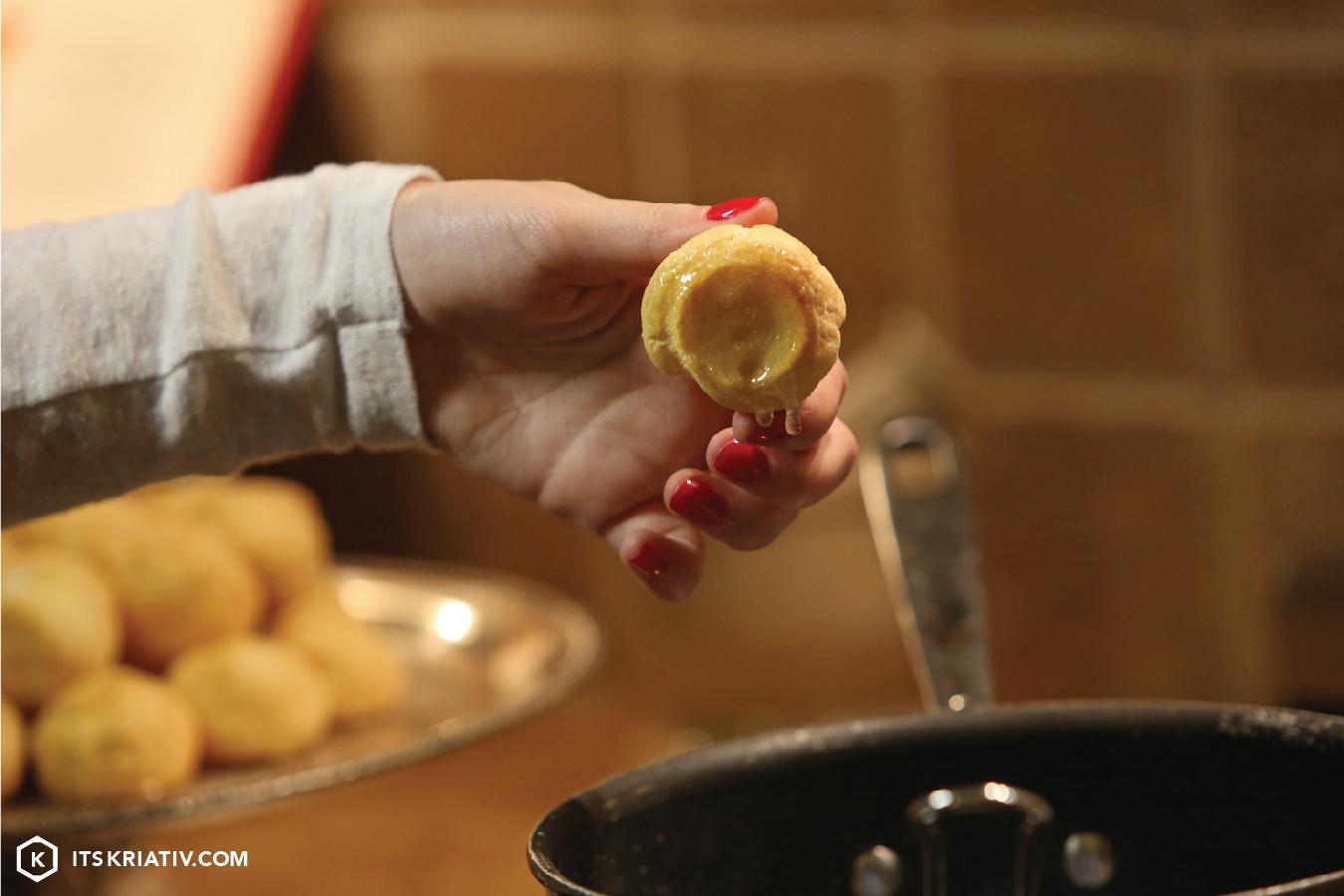 Its-Kriativ-Food-Holiday-Croquembouche-Dessert-Recipe.jpg