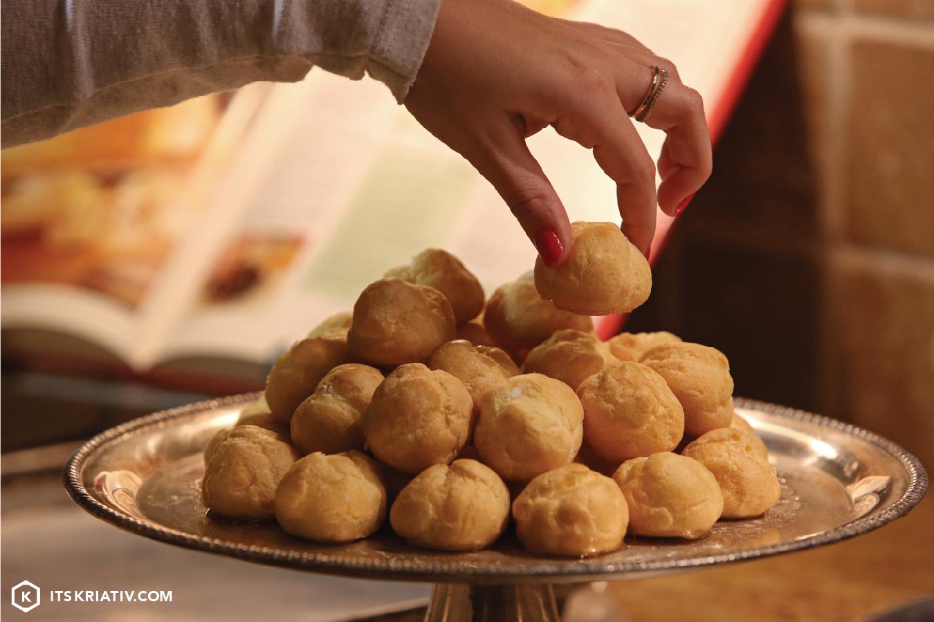 Its-Kriativ-Food-Holiday-Croquembouche-Dessert-Tree-Sugar.jpg