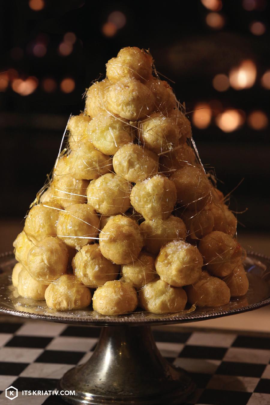Its-Kriativ-Food-Holiday-Croquembouche-Cake-Christmas-Tree-Dessert-Sugar.jpg