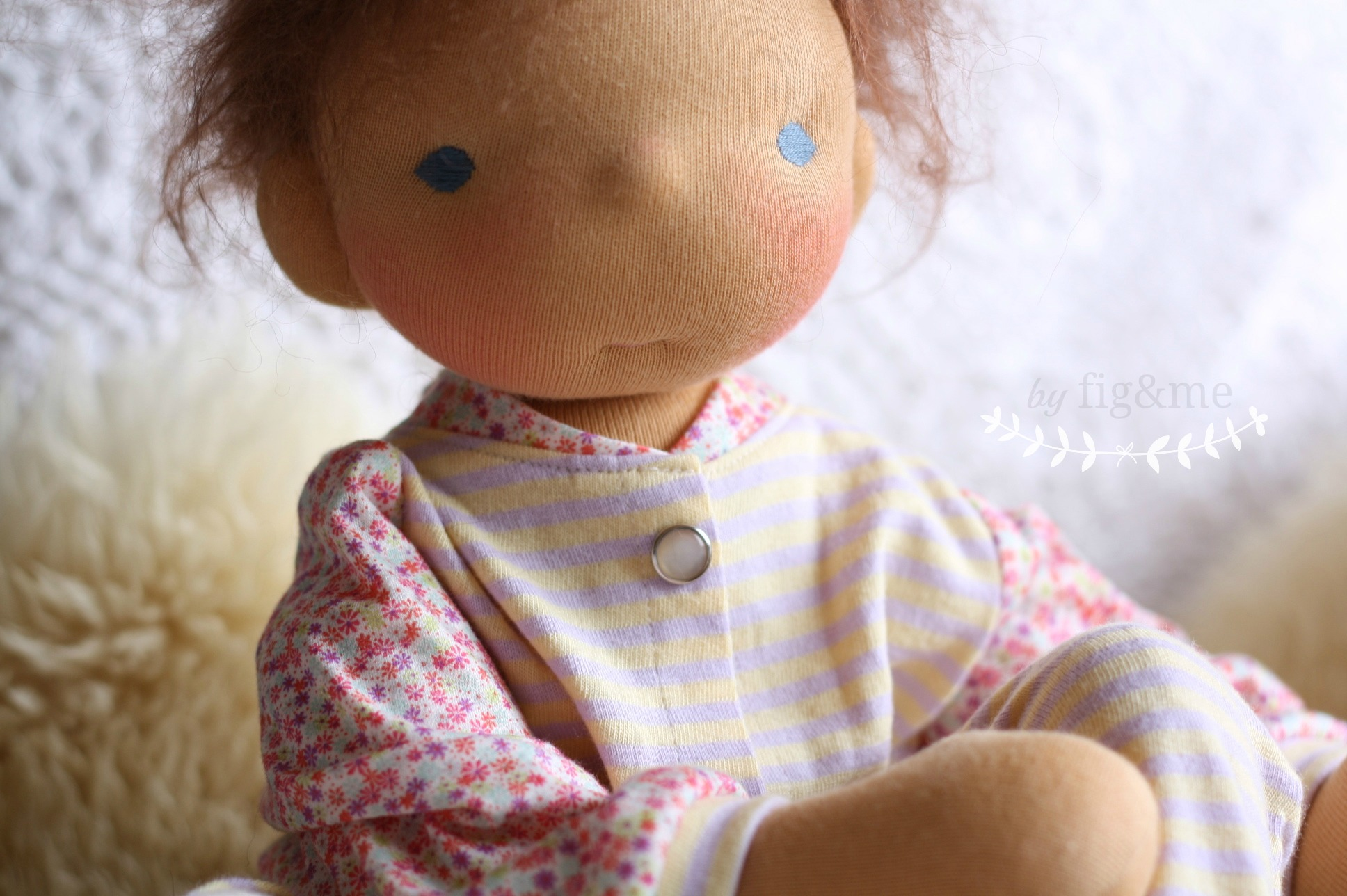 a doll wakes up, fig and me.
