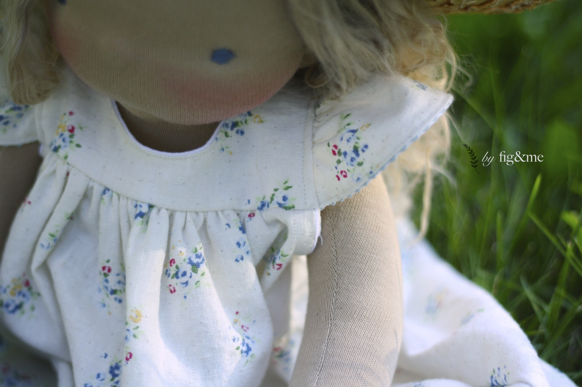 Amelie in her summer dress, by Fig and me.