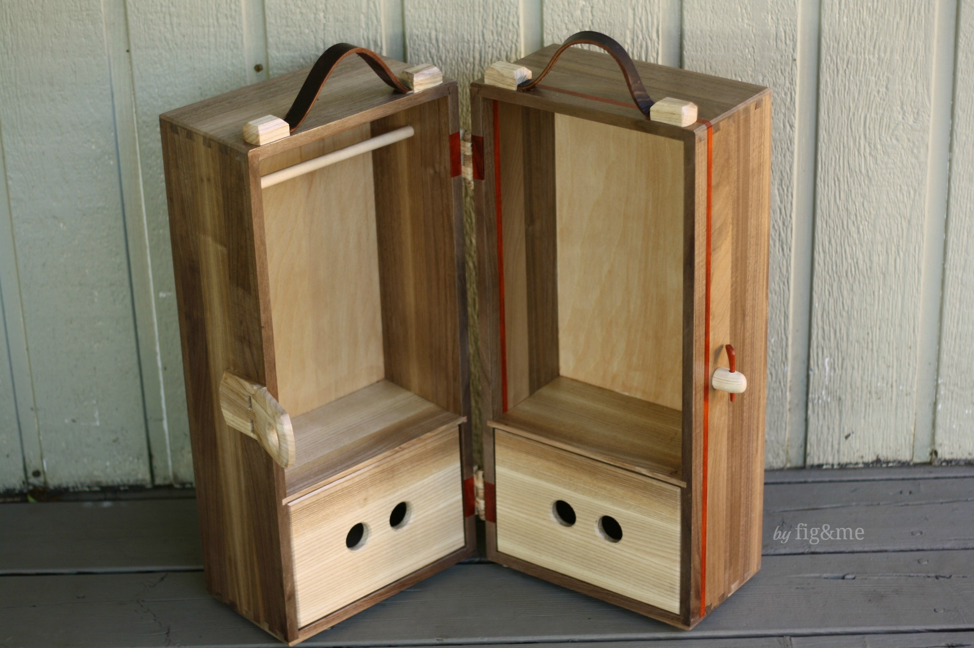 Wooden doll steam trunk for Amelie, by Fig and me.